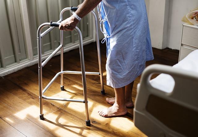 cuidados com o idosos acamados